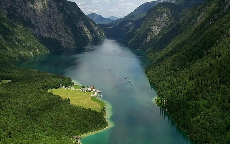 Фото: Озеро Кёнигзее - Достопримечательности Германии: ТОП-15