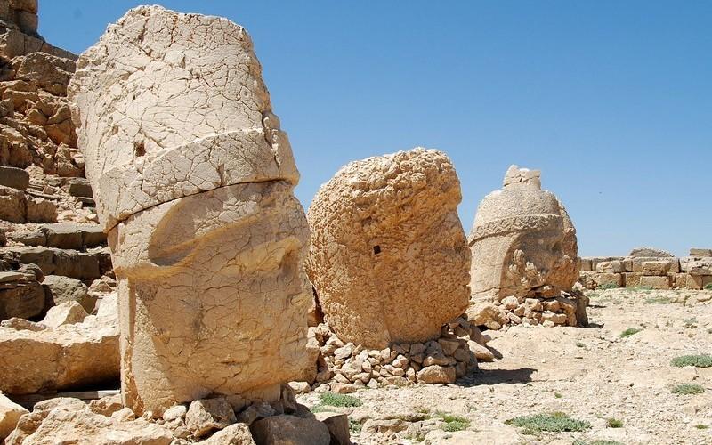 Фото: Гора Немрут-Даг - Достопримечательности Турции: ТОП-15