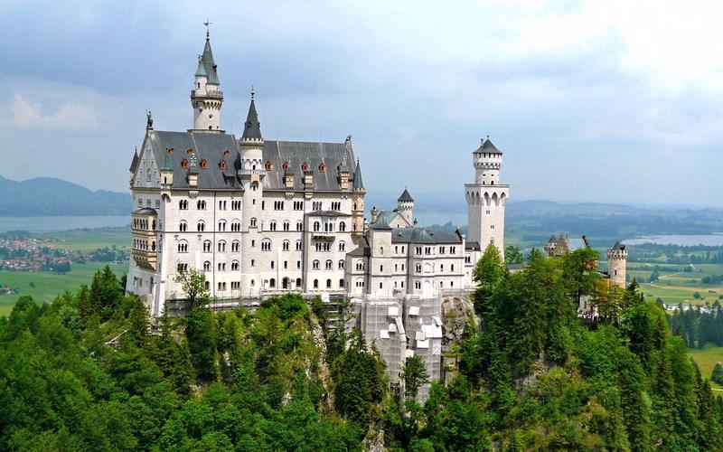 Фото: Замок Нойшванштайн - Достопримечательности Германии: ТОП-15