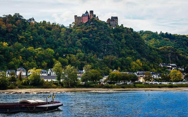 Фото: Долина реки Рейн - Достопримечательности Германии: ТОП-15
