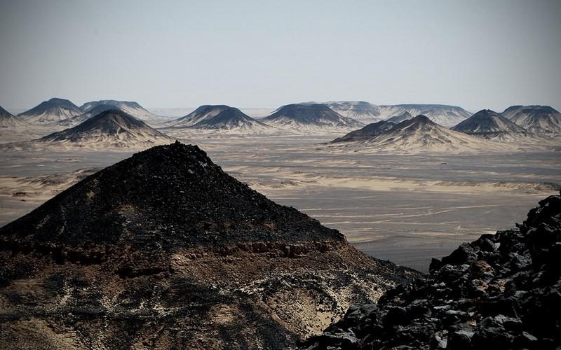 Фото: Чёрная пустыня - Достопримечательности Египта: ТОП-15