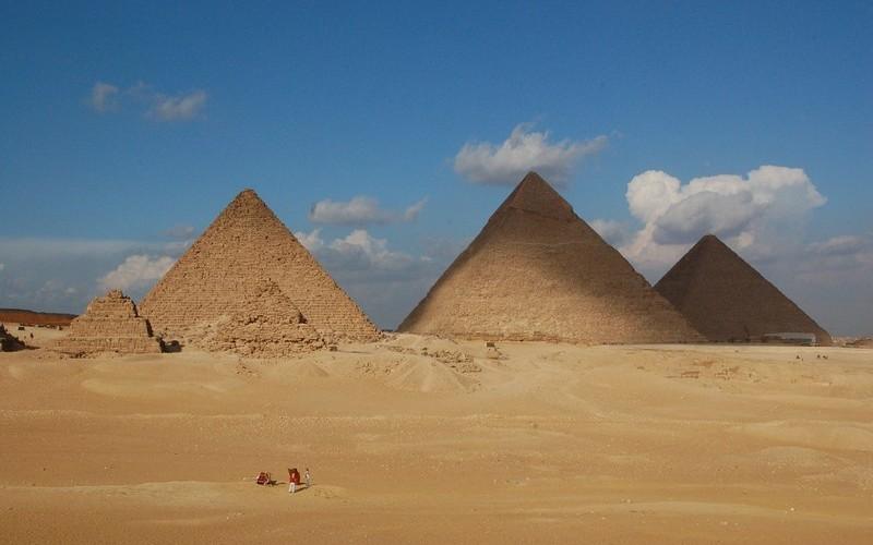 Фото: Египетские пирамиды - Достопримечательности Египта