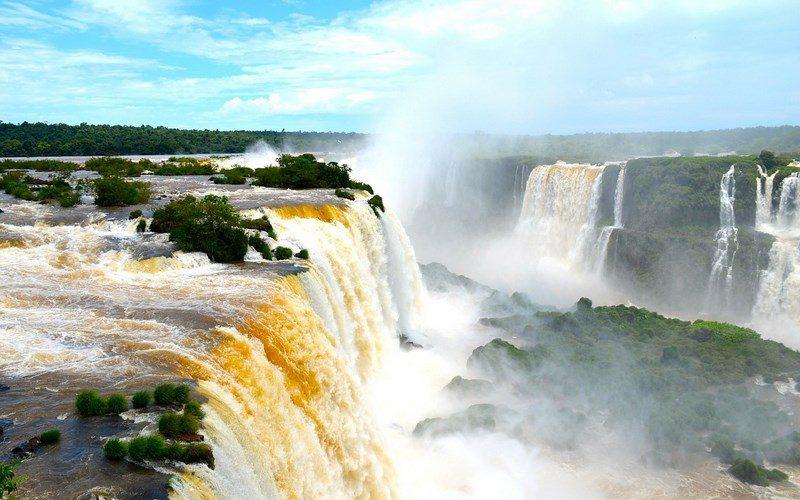 Фото: Водопады Игуасу - Достопримечательности Бразилии: ТОП-14