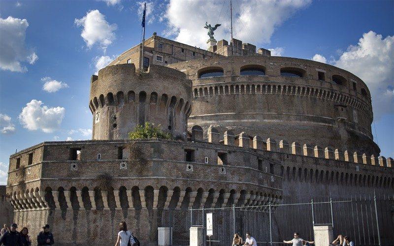 Фото: Замок Святого Ангела - Достопримечательности Рима: ТОП-15