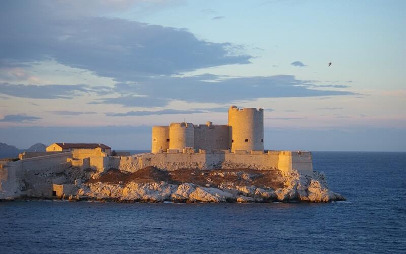 Фото: Замок Иф - Достопримечательности Марселя: ТОП-13