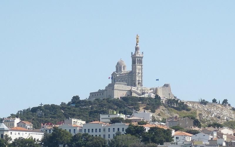 Фото: Нотр-Дам-де-ла-Гард - Достопримечательности Марселя: ТОП-13