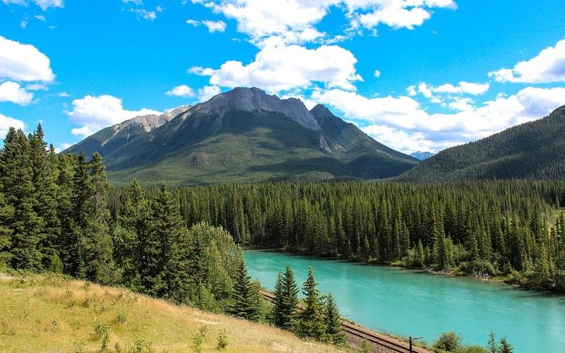 Фото: Национальный парк Банф и Скалистые горы - Достопримечательности Канады: ТОП-14