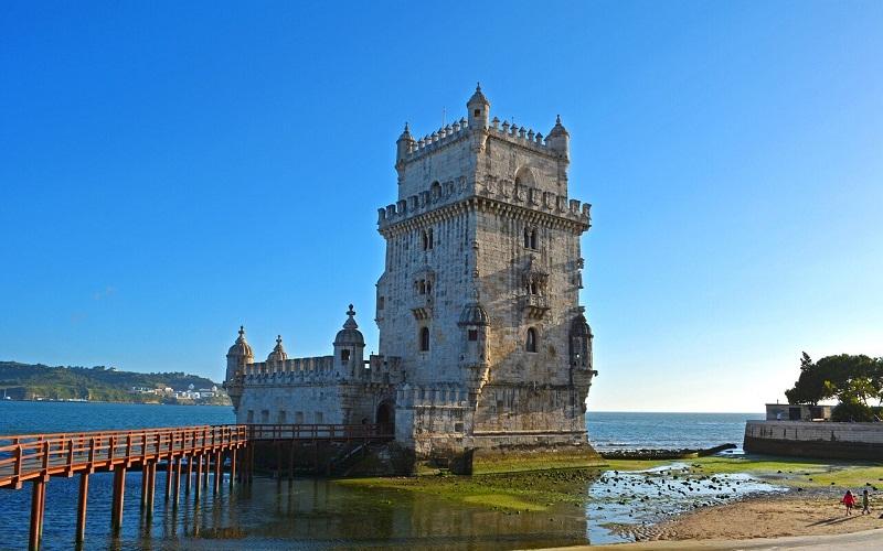 Фото: Башня Белем - Достопримечательности Португалии: ТОП-13