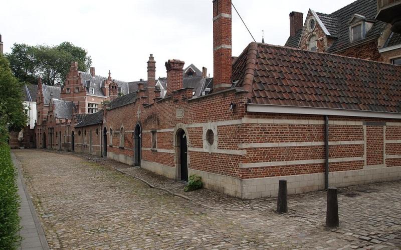 Фото: Бегинаж - Достопримечательности Антверпена: ТОП-10