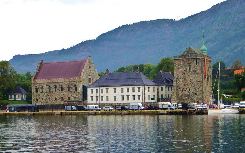 Фото: Замок Бергенхус - Достопримечательности Бергена: ТОП-10
