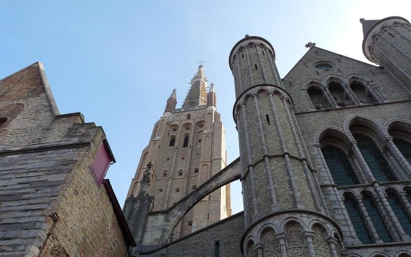 Фото: Церковь Богоматери - Достопримечательности Брюгге: ТОП-10