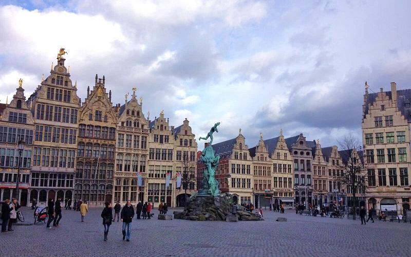 Фото: Гроте-Маркт - Достопримечательности Антверпена: ТОП-10
