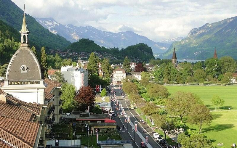 Фото: Интерлакен - Достопримечательности Швейцарии: ТОП-16