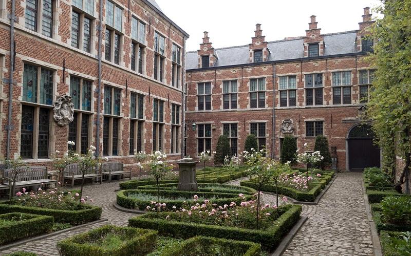 Фото: Музей Плантена-Моретуса - Достопримечательности Антверпена: ТОП-10