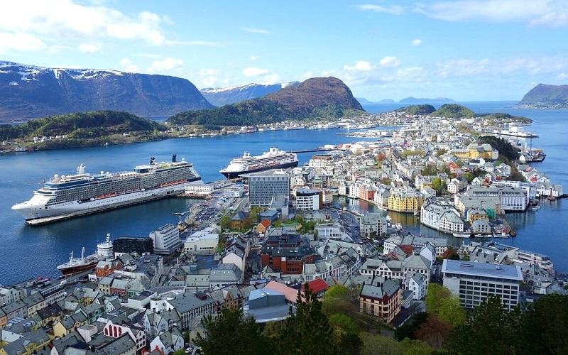 Фото: Олесунн - Достопримечательности Норвегии: ТОП-10
