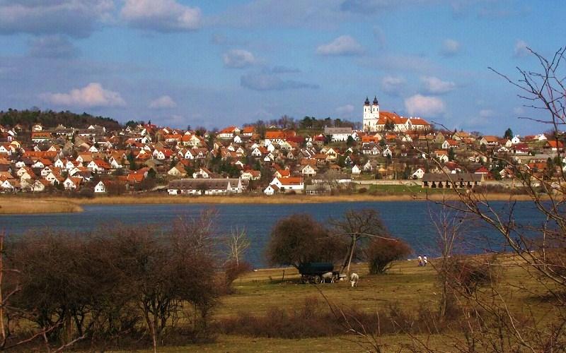 Фото: Озеро Балатон и полуостров Тихань - Достопримечательности Венгрии: ТОП-11