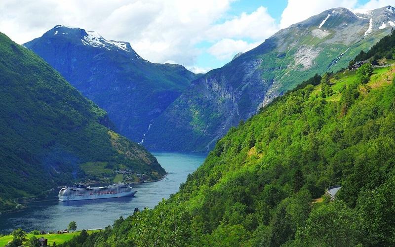 Фото: Норвежские фьорды - Достопримечательности Норвегии: ТОП-10