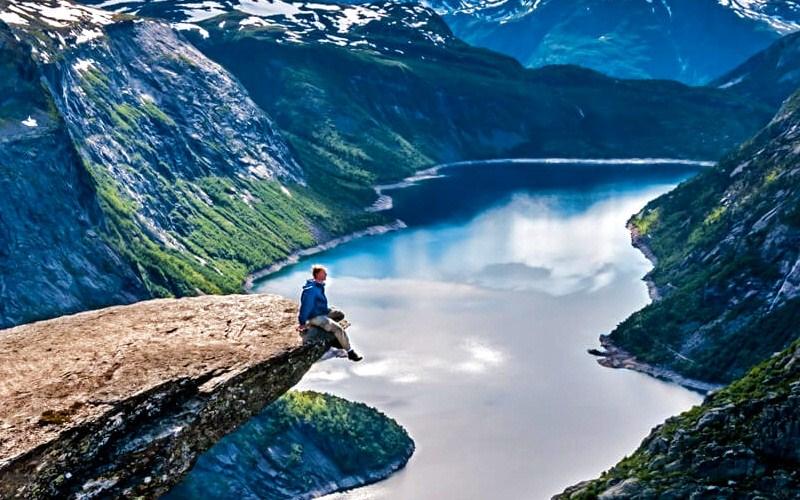 Фото: Язык Тролля - Достопримечательности Норвегии: ТОП-10