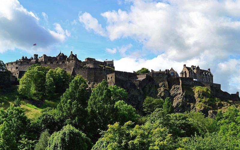 Фото: Эдинбургский замок: Достопримечательности Эдинбурга: ТОП-10