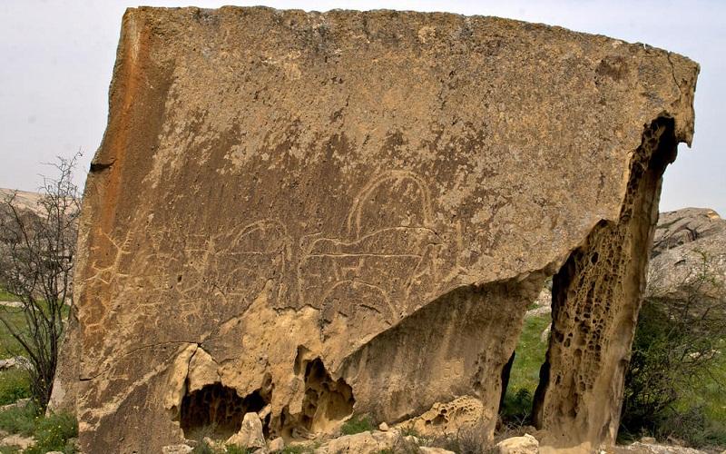 Фото: Заповедник Гобустан - Достопримечательности Азербайджана: ТОП-10