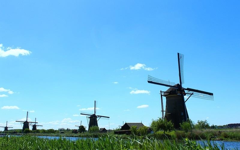 Фото: Ветряные мельницы Киндердийка - Достопримечательности Нидерландов: ТОП-10