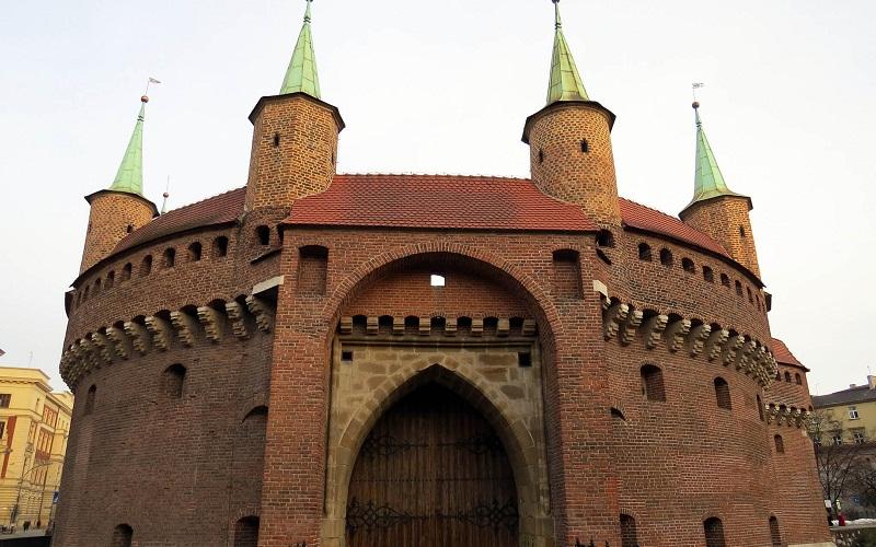 Фото: Крепость Барбакан - Достопримечательности Кракова: ТОП-10