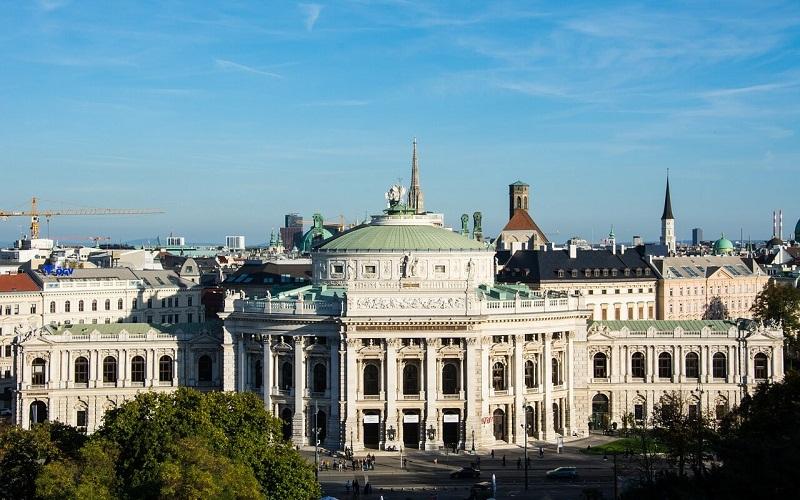 Фото: Бургтеатр - Достопримечательности Вены: ТОП-11