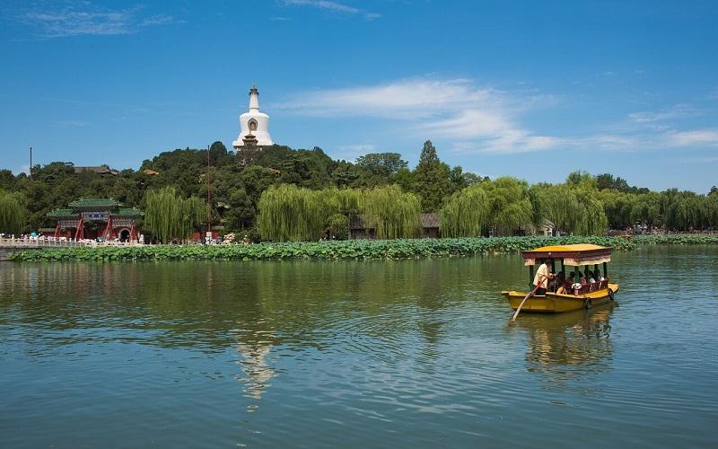 Фото: Парк Бэйхай - Достопримечательности Пекина: ТОП-10