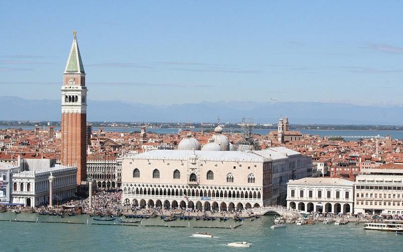 Фото: Дворец Дожей - Достопримечательности Венеции: ТОП-10
