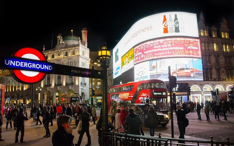 Фото: Улица Пикадилли - Достопримечательности Лондона: ТОП-15