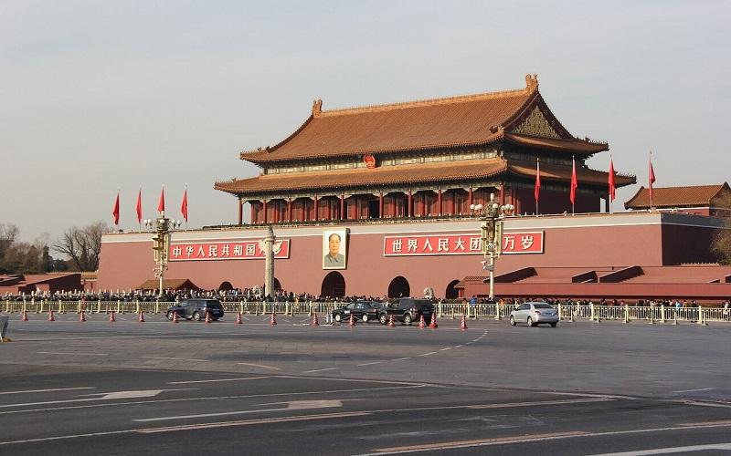 Фото: Площадь Тяньаньмэнь - Достопримечательности Пекина: ТОП-10