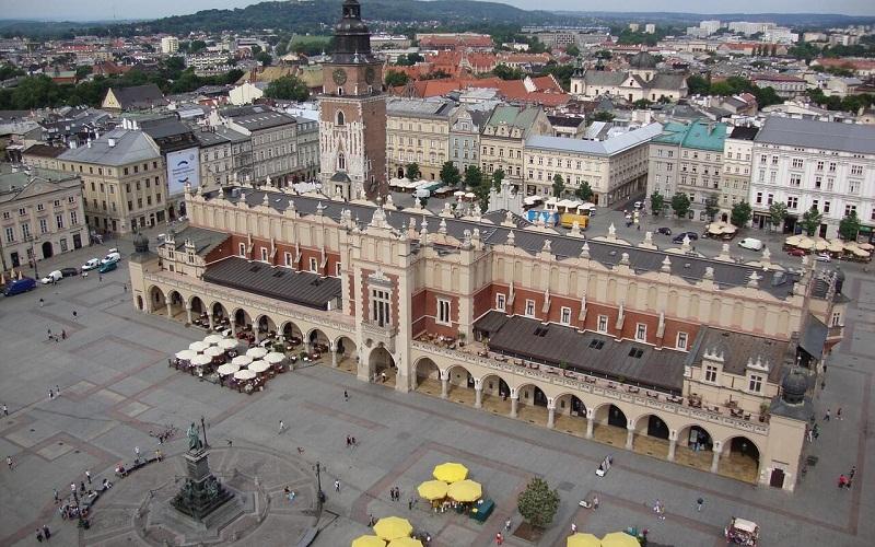 Фото: Главная площадь Кракова - Достопримечательности Кракова: ТОП-10