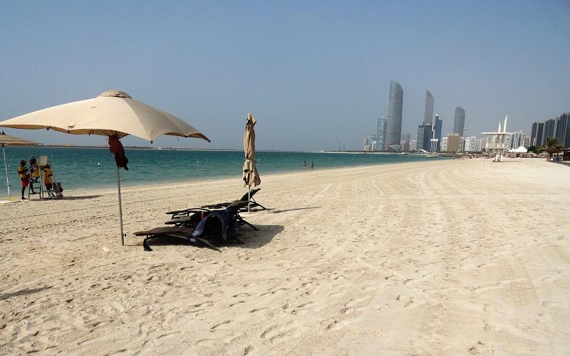 Фото: Пляж Корниш: Достопримечательности Абу-Даби: ТОП-10