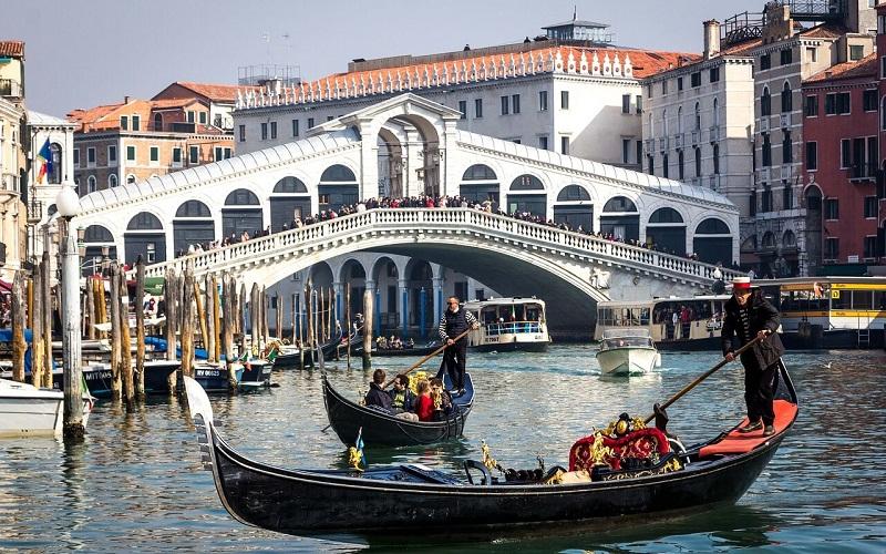 Фото: Мост Риальто - Достопримечательности Венеции: ТОП-10