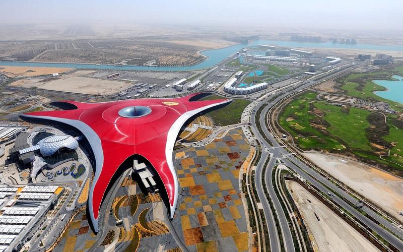 Фото: Парк Феррари - Достопримечательности Абу-Даби: ТОП-10