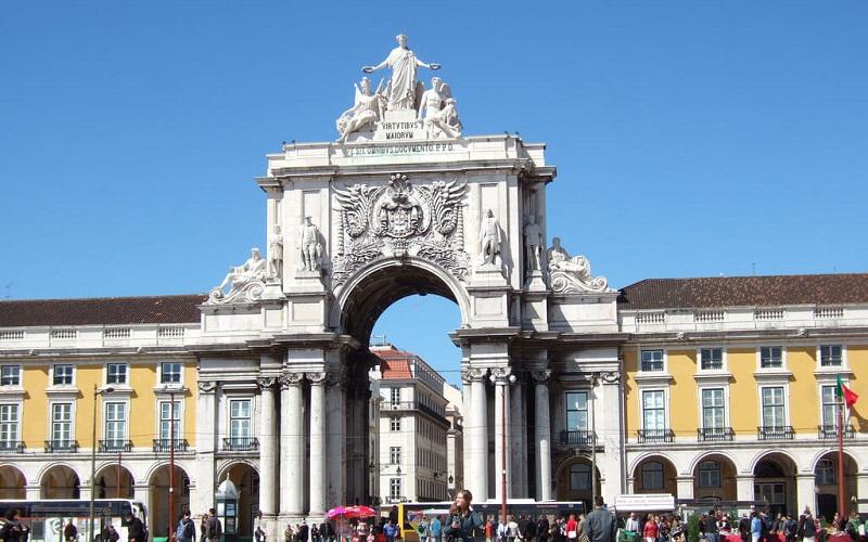 Фото: Триумфальная арка на руа Аугушта - Достопримечательности Лиссабона: ТОП-10