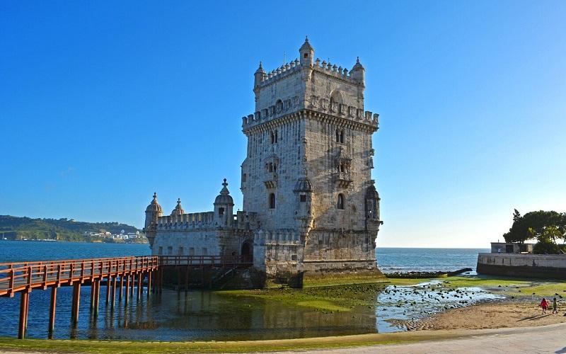 Фото: Башня Торри-ди-Белен - Достопримечательности Лиссабона: ТОП-10