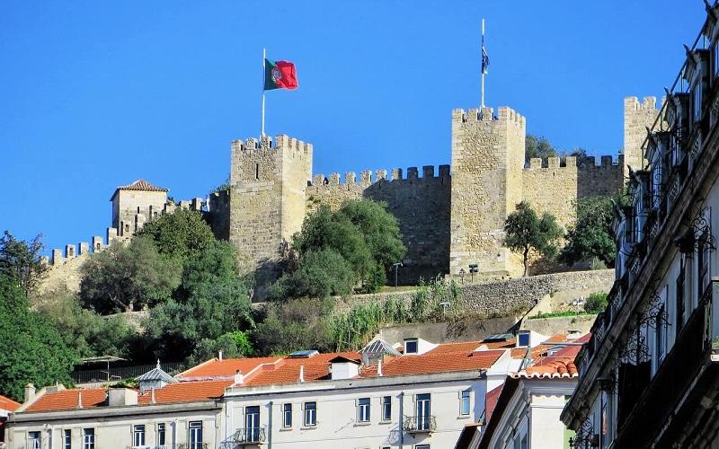 Фото: Замок Святого Георгия - Достопримечательности Лиссабона: ТОП-10