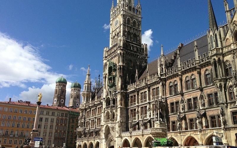 Фото: Площадь Мариенплац - Достопримечательности Мюнхена: ТОП-10