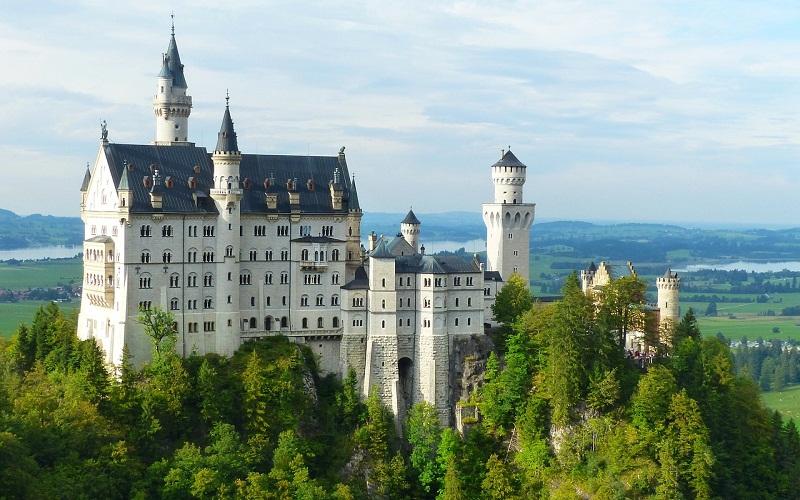 Фото: Замок Нойшванштайн - Достопримечательности Мюнхена: ТОП-10