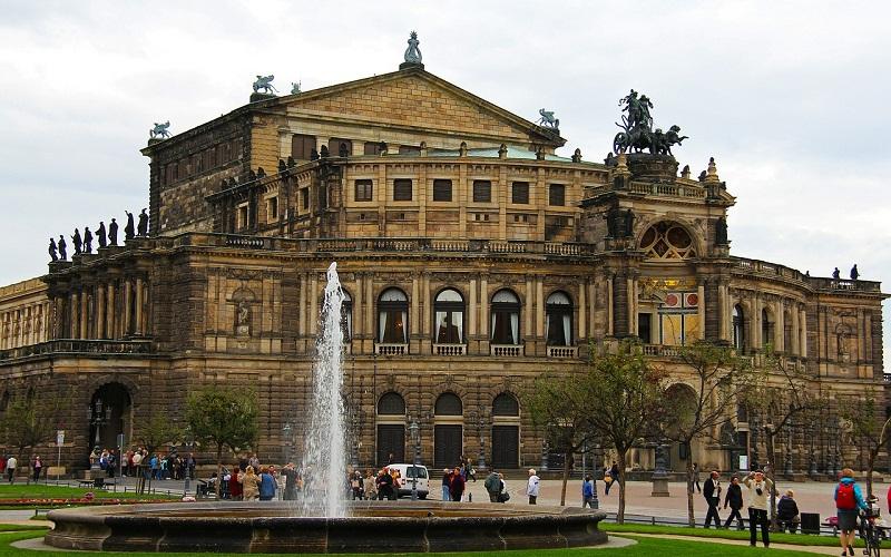Фото: Опера Земпера - Достопримечательности Дрездена: ТОП-10