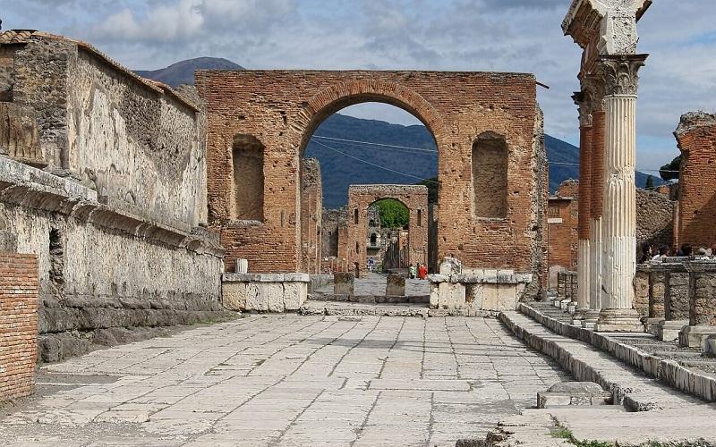 Фото: Помпеи - Достопримечательности Неаполя: ТОП-10