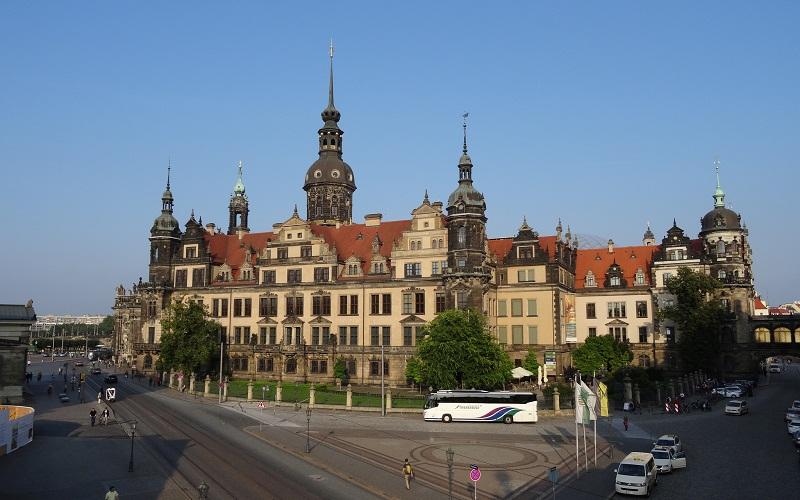 Фото: Дрезденский замок-резиденция - Достопримечательности Дрездена: ТОП-10
