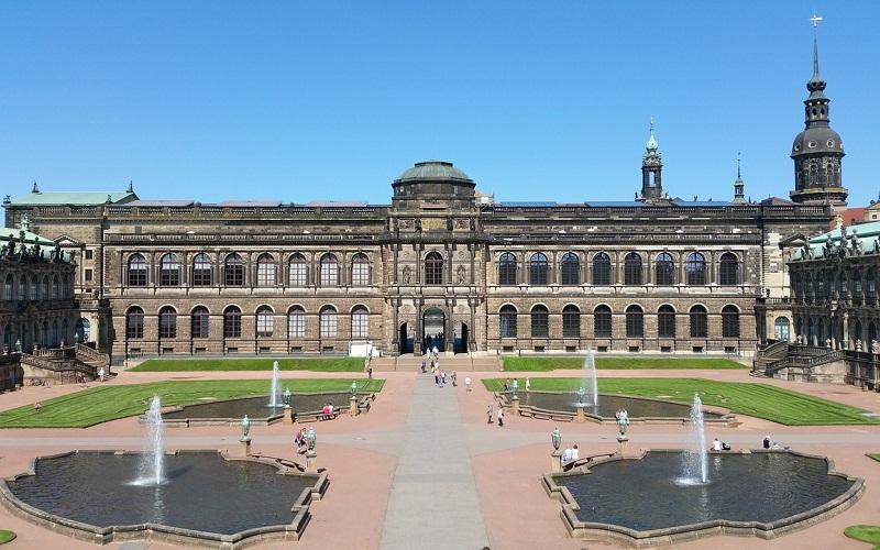 Фото: Дворец Цвингер - Достопримечательности Дрездена: ТОП-10