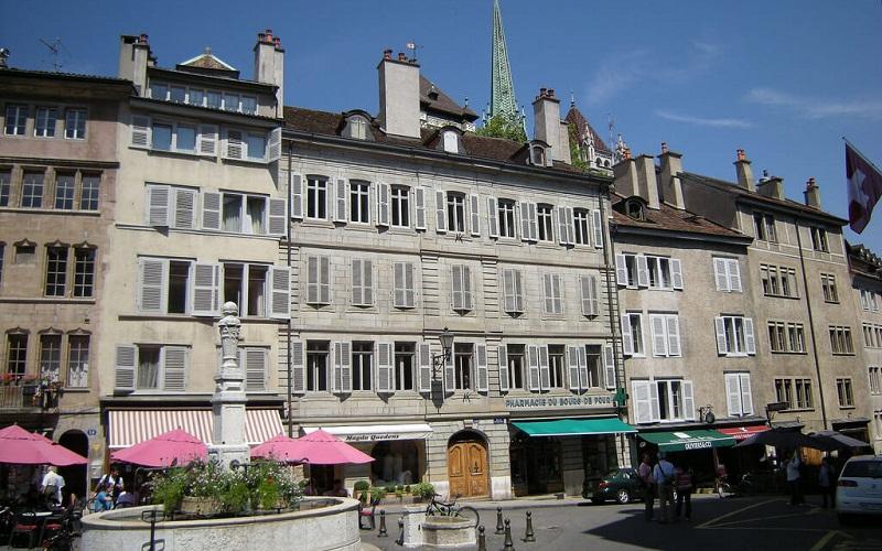 Фото: Площадь Бург-де-Фур - Достопримечательности Женевы: ТОП-10