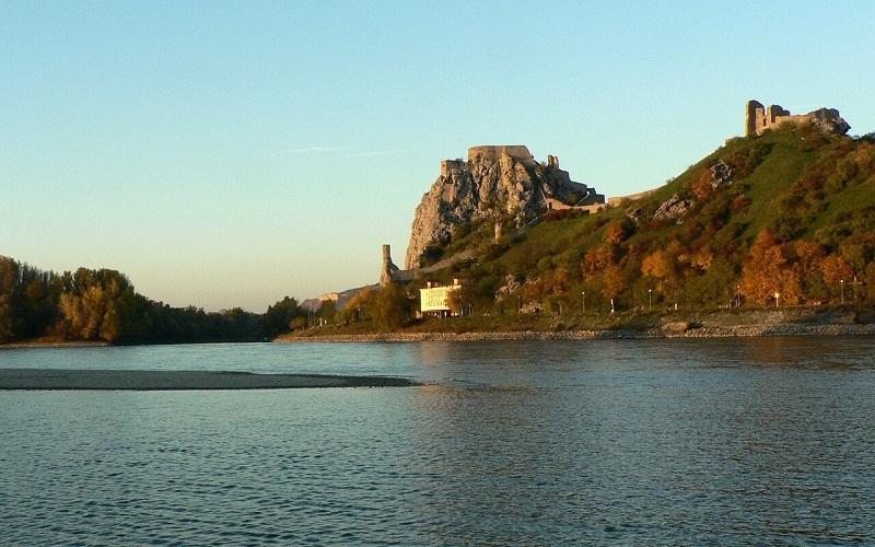 Фото: Замок Девин - Достопримечательности Братиславы: ТОП-10