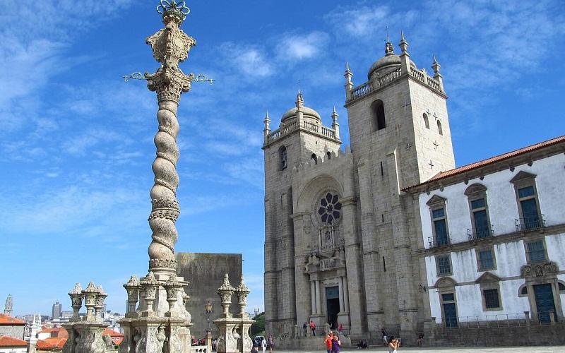 Фото: Кафедральный собор - Достопримечательности Порту: ТОП-10