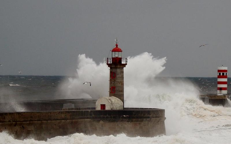 Фото: Маяк Мольхе до Доуро - Достопримечательности Порту: ТОП-10