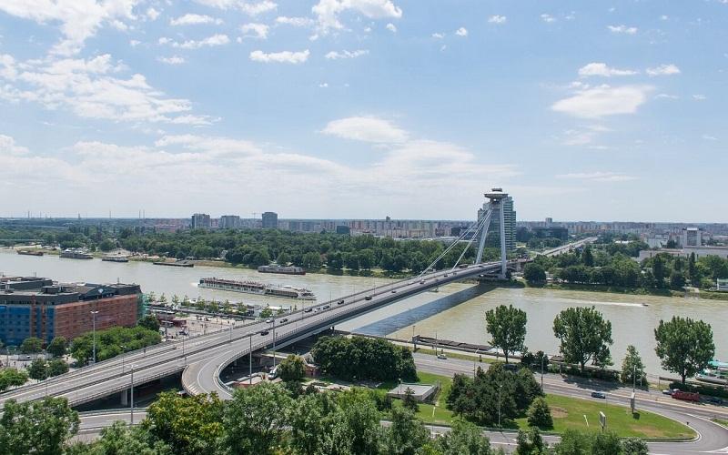Фото: Мост СНП - Достопримечательности Братиславы: ТОП-10