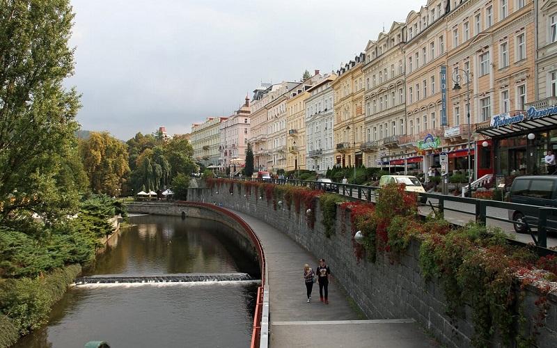 Фото: Улица Нова Лоука - Достопримечательности Карловых Вар: ТОП-10